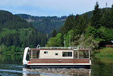 30-foot-houseboat
